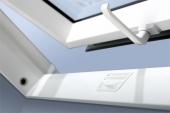 Fakro aliuminio-pvc profilių stogo langas