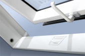 Fakro aliuminio-pvc profilių stogo langas [kopija]